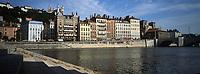 Europe/France/Rhône-Alpes/69/Rhone/Lyon: Quais de Saone avec l'immeuble Blanchon au 7 Quai Fulchiron et la Basilique Notre-Dame de Fourviere