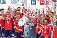 12.05.2018; Football,  2017/2018, Bundesliga,34. match day, FC Bayern Muenchen - VfB Stuttgart, in Muenchner Allianz-Arena. Meisterfeier. Trainer Jupp Heynckes and Meisterschale *** Local Caption *** © pixathlon<br /> <br /> +++ NED out !!! +++<br /> Contact: +49-40-22 63 02 60 , info@pixathlon.de