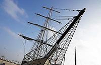 Nederland Lelystad-  Januari 2018.  Zeilschip in de Bataviahaven. Boegspriet met kluivernet.  Foto Berlinda van Dam / Hollandse Hoogte