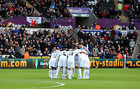 Pictured: Saturday 10 January 2015<br /> Re: Barclays Premier League, Swansea City FC v West Ham United at the Liberty Stadium, south Wales, UK