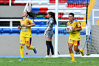 CALI – COLOMBIA, 20-11-2020: Vanessa Franco del Pasto celebra después de anotar el primer gol de su equipo durante partido por la Fecha 6 de la Liga Femenina BetPlay DIMAYOR 2020 entre América de Cali y Deportivo Pasto jugado en el estadio Pascual Guerrero de la ciudad de Cali. / Vanessa Franco of Pasto celebrates after scoring the first goal of his team during match for the date 6 as part of Women's BetPlay DIMAYOR League 2020 between America de Cali and Deportivo Pasto played at Pascual Guerrero stadium in Cali city. Photos: VizzorImage / Nelson Rios / Cont /.
