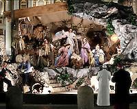 Papa Francesco rende omaggio al Presepe in Piazza San Pietro al termine dei Primi Vespri e Te Deum in ringraziamento per l'anno trascorso. Citta' del Vaticano, 31 dicembre 2016.<br /> Pope Francis visits the traditional Crib in St Peter's Square  after celebrating the new year's eve Vespers Te Deum at the Vatican, on December 31, 2016.<br /> UPDATE IMAGES PRESS/Isabella Bonotto<br /> <br /> STRICTLY ONLY FOR EDITORIAL USE