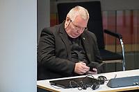 """Plenarsitzung des Berliner Abgeordnetenhaus am Donnerstag den 30. April 2020.<br /> Im Bild: Kay Nerstheimer, fraktionsloser Abgeordneter, ehm. Mitglied der """"Alternative fuer Deutschland"""". Nerstheimer wurde wegen am 13.2.2018 vom Amtsgericht Tiergarten wegen Volksverhetzung verurteilt. <br /> 30.4.2020, Berlin<br /> Copyright: Christian-Ditsch.de<br /> [NUR FUER REDAKTIONELLE ZWECKE! Werbung nur auf Anfrage beim Fotografen. Inhaltsveraendernde Manipulation des Fotos nur nach ausdruecklicher Genehmigung des Fotografen. Vereinbarungen ueber Abtretung von Persoenlichkeitsrechten/Model Release der abgebildeten Person/Personen liegen nicht vor. NO MODEL RELEASE! Don't publish without copyright Christian-Ditsch.de, Veroeffentlichung nur mit Fotografennennung, sowie gegen Honorar, MwSt. und Beleg. Konto: I N G - D i B a, IBAN DE58500105175400192269, BIC INGDDEFFXXX, Kontakt: post@christian-ditsch.de<br /> Bei der Bearbeitung der Dateiinformationen darf die Urheberkennzeichnung in den EXIF- und  IPTC-Daten nicht entfernt werden, diese sind in digitalen Medien nach §95c UrhG rechtlich geschuetzt. Der Urhebervermerk wird gemaess §13 UrhG verlangt.]"""