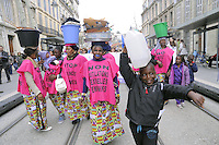 - Marsiglia (Francia),  Forum Mondiale dell' Acqua, manifestazione del Forum Alternativo contro la privatizzazione dell'acqua, protesta delle donne africane contro la violenza e le mutilazioni genitali<br /> <br /> - Marseille (France),  World Forum of 'Water, demonstration of the Alternative Forum against privatization of water, African women protest against violence and genital mutilation