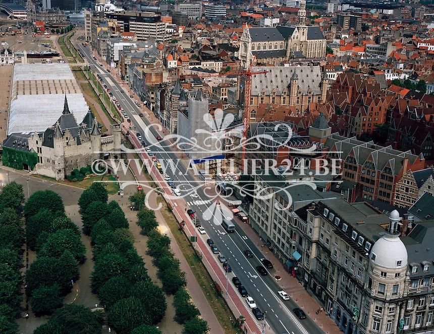 Juli 1995. Het Steen in Antwerpen.