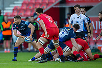 9th September 2020; AJ Bell Stadium, Salford, Lancashire, England; English Premiership Rugby, Sale Sharks versus Sracens; Will Cliff of Sale Sharks passes the ball off