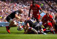 Saracens' Ben Spencer scores his sides second try<br /> <br /> Photographer Bob Bradford/CameraSport<br /> <br /> Gallagher Premiership Final - Exeter Chiefs v Saracens - Saturday 1st June  2018 - Twickenham Stadium - London<br /> <br /> World Copyright © 2019 CameraSport. All rights reserved. 43 Linden Ave. Countesthorpe. Leicester. England. LE8 5PG - Tel: +44 (0) 116 277 4147 - admin@camerasport.com - www.camerasport.com
