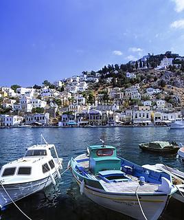 Griechenland, Dodekanes, Insel Symi, Chorio: mit ihren pastellfarbenen Haeusern   Greece, Symi Island, Chorio: with pastel-coloured buildings