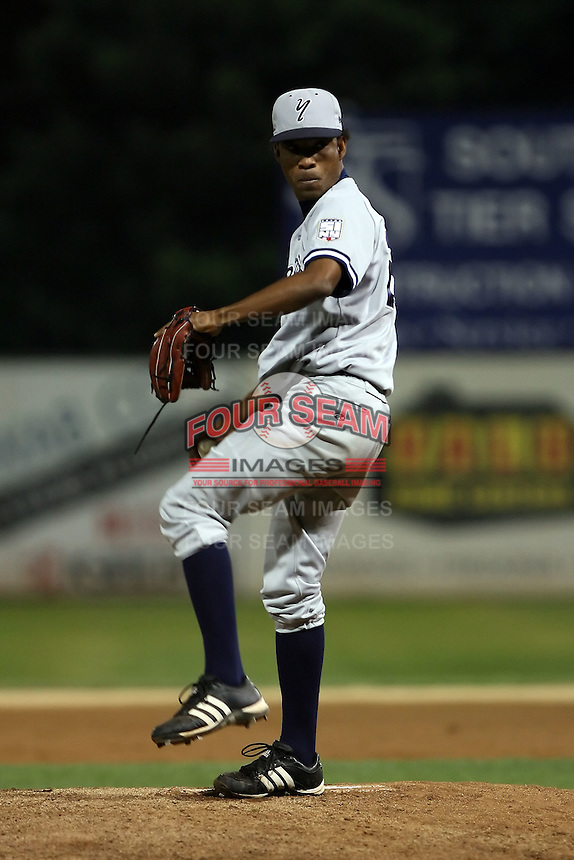 September 9 2008:  Pitcher Jacinto Gonell of the Staten Island Yankees, Class-A affiliate of the NY Yankees, during Game One of the opening playoff series at Russell Diethrick Park in Jamestown, NY.  Photo by:  Mike Janes/Four Seam Images