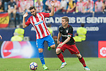 Jorge Resurreccion Merodio, Koke, (L) of Atletico de Madrid fights for the ball with Iker Muniain Goni (R) of Athletic Club during their La Liga match between Atletico de Madrid vs Athletic de Bilbao at the Estadio Vicente Calderon on 21 May 2017 in Madrid, Spain. Photo by Diego Gonzalez Souto / Power Sport Images