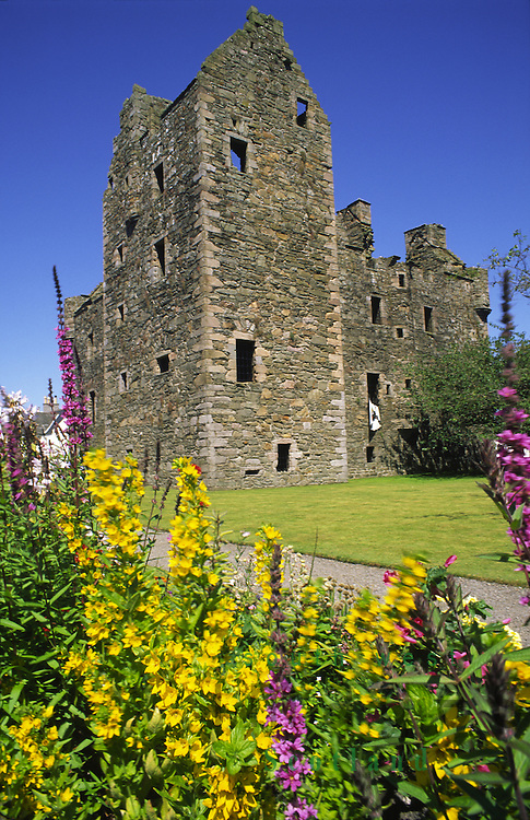 MacLellan's Castle in the centre of the Artist Town of Kirkcudbright Galloway Scotland UK
