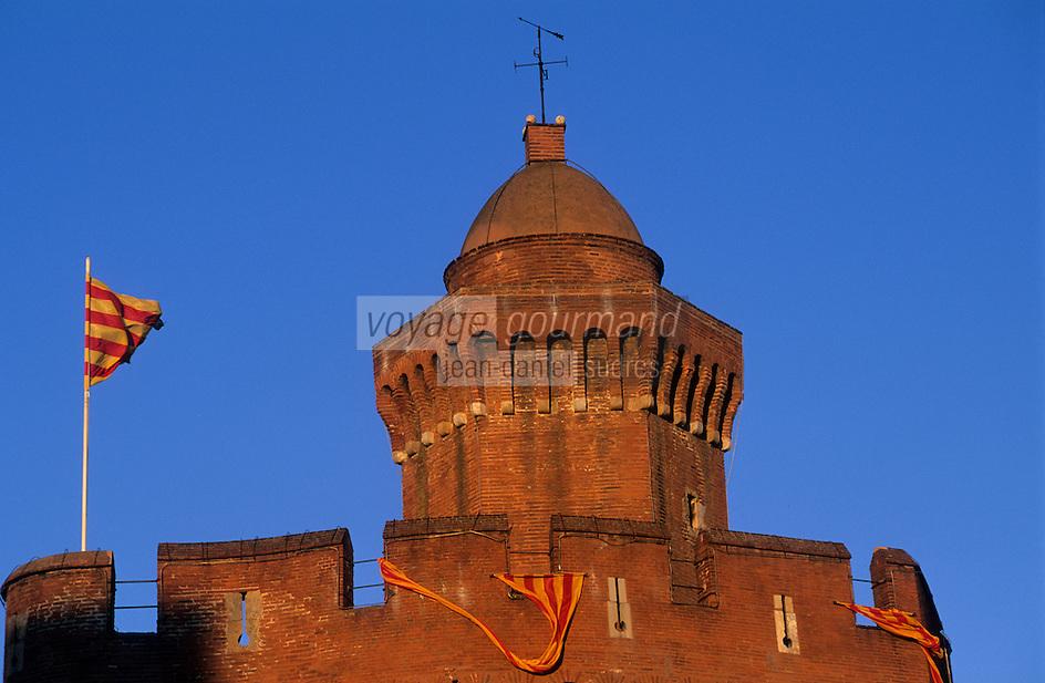 Europe/France/Languedoc-Roussillon/66/Pyrénées -Orientales/Perpignan : Le Castillet (ancienne porte principale de l'enceinte de Perpignan)