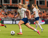 HOUSTON, TX - JUNE 10: Lindsey Horan #9 of the USWNT sprints downfield during a game between Portugal and USWNT at BBVA Stadium on June 10, 2021 in Houston, Texas.
