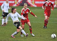 Denmark U17 - Germany U17 : 8 Saskia Meier in duel met 11 Stine Larsen (C).foto Joke Vuylsteke / Vrouwenteam.be