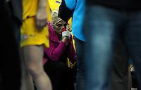 1. Bundesliga Frauen Hauptrunde - HBF - Arena Leipzig - Mittwoch (26.10.2011) - HC Leipzig : Thüringer HC - im Bild: die verletzte Mette Ommundsen reißt die Niederlage zu Tränen hin . .Foto: aif / Norman Rembarz..Jegliche kommerzielle wie redaktionelle Nutzung ist honorar- und mehrwertsteuerpflichtig! Persönlichkeitsrechte sind zu wahren. Es wird keine Haftung übernommen bei Verletzung von Rechten Dritter. Autoren-Nennung gem. §13 UrhGes. wird verlangt. Weitergabe an Dritte nur nach  vorheriger Absprache. Online-Nutzung ist separat kostenpflichtig..