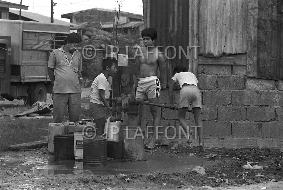 Children selling items on the streets of Manilla, Philippines - Child labor as seen around the world between 1979 and 1980 – Photographer Jean Pierre Laffont, touched by the suffering of child workers, chronicled their plight in 12 countries over the course of one year.  Laffont was awarded The World Press Award and Madeline Ross Award among many others for his work.