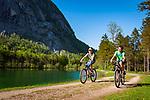 Oesterreich, Salzburger Land, bei Golling an der Salzach: das Bluntautal mit dem Bluntausee | Austria, Salzburger Land, near Golling an der Salzach: Bluntau Valley with Bluntau Lake