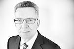 Innenminister Thomas de Maiziere, [hier: im Bundesinnenministerium], Portrait, Einzelportrait, Politik, Politiker, Minister, Innenaufnahme, Europa, Deutschland, Berlin, 24.02.2015<br /> Engl.: Federal Minister of the Interior of Germany, Thomas de Maiziere, portrait in his ministry in Berlin, Germany, Europe, February 24, 2015