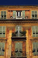 France/06/Alpes-Maritimes/Nice: Détail des vieilles maisons sur le port