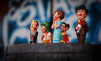 SÃO CAETANO DO SUL, SP, 28.11.2015 - CHAVES-HOMENAGEM - Fãs do ator Roberto Bolaños, o Chaves, durante homenagem para lembrar um ano de sua morte ato no centro de São Caetano do Sul no ABC Paulista ontem dia sábado dia 28. (Foto: Karim Kahn/Brazil Photo Press)
