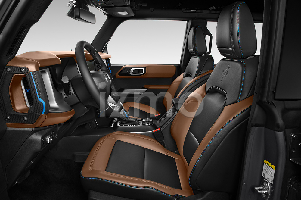 Front seat view of 2021 Ford Bronco Outer-Banks 5 Door SUV Front Seat  car photos