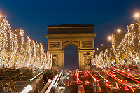 Europe/France/Ile-de-France/75008/Paris: les Champs Eysées et l'Arc de Triomphe  //  Europe / France / Ile-de-France / 75008 / Paris: the Champs Eysées and the Arc de Triomphe