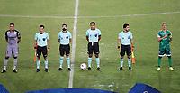 PEREIRA - COLOMBIA, 29-04-2021: Michael Espinoza, arbitro con los capitanes Walmer Pacheco de La equidad (COL) y Yhonatann Yustiz de Aragua F. C. (VEN) durante partido entre La Equidad (COL) y Aragua F. C. (VEN) por la Copa CONMEBOL Sudamericana 2021 en el Estadio Hernan Ramirez Villegas de la ciudad de Pereira. / Michael Espinoza, referee with captains  Walmer Pacheco of La equidad (COL) and Yhonatann Yustiz of Aragua F. C. (VEN) during a match beween La Equidad (COL) and Aragua F. C. (VEN) for the CONMEBOL Sudamericana Cup 2021 at the Hernan Ramirez Villegas Stadium, in Pereira city.  Photo: VizzorImage / Pablo Bohorquez / Cont.