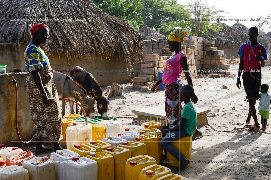 SENEGAL, Thies, village KADAANE, water supply from well
