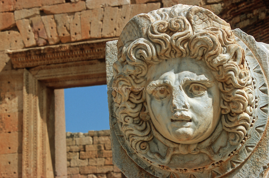 Gorgon head, 70 carved figures are found all around the Severn Forum in the antique site of Lepcis Magna Site de Leptis Magna, côte nord de la Lybie. Lybia