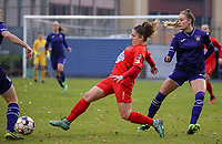 Taika De Koker (16 Woluwe)  gives a pass during a female soccer game between FC Femina WS Woluwe and RSC Anderlecht Women on the eight match day of the 2020 - 2021 season of Belgian Women's Super League , Sunday 22nd of November 2020  in Woluwe, Belgium . PHOTO SPORTPIX.BE | SPP | SEVIL OKTEM