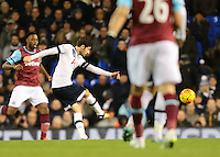 22.11.2015. White Hart Lane, London, England. Barclays Premier League. Tottenham Hotspur versus West Ham. Ryan Mason of Tottenham Hotspur shoots but is denied by West Ham United Goalkeeper Adrian who pushes the ball round the post for a Tottenham corner ; Mason was made interim team manager for 2021 season after Spurs sacked Jose Mourinho. Mason retired from playing for Tottenham after suffering a fractured skull in a game in early 2017 at Hull.