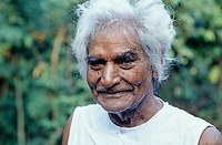 INDIA, Narmada river and dams, social activist Murlidhar Devidas Amte 1914-2008, called Baba Amte, he was a disciple of Mahatma Gandhi and has founded the Ashram Anandwan for people suffering from leprosy, here at his ashram at Kasrawad at the river Narmada, to support the struggle of Narmada Bachao Andolan NBA, movement to save the Narmada, against large dams in the valley / INDIEN, Narmada Fluss und Staudaemme, Murlidhar Devidas Amte, Baba Amte