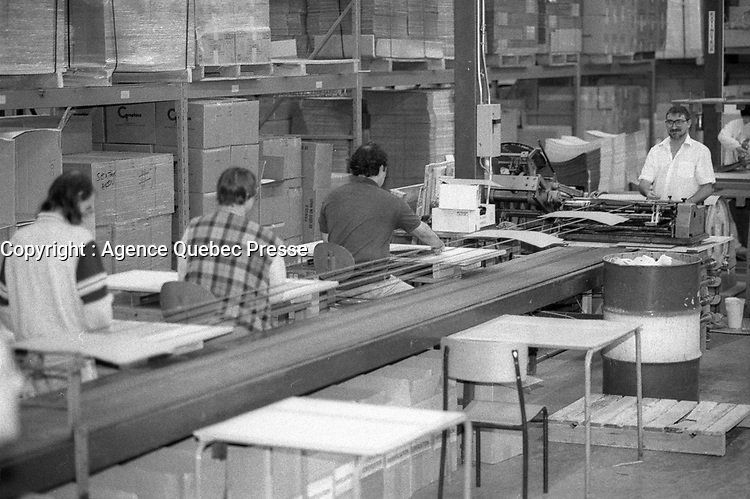 Travail d'handicappes<br /> , 1995<br /> <br /> PHOTO :   agence Quebec Presse  -  Fond Chronopresse