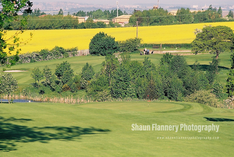 Pix: Shaun Flannery/shaunflanneryphotography.com...COPYRIGHT PICTURE>>SHAUN FLANNERY>01302-570814>>07778315553>>..18th May 2004..............Hickleton Golf Club, Lidgett Lane, Hickleton, Doncaster, DN5 7BE..Golf Course - 10th fairway, green.