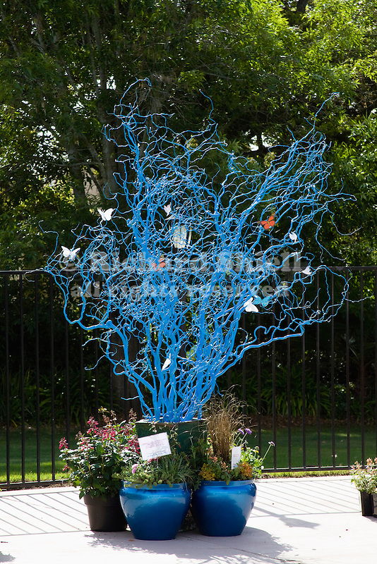 BLUE-PAINTED DRIED WILLOW BRANCH DISPLAY ART