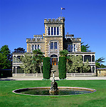 New Zealand, South Island, Otago Peninsula (near Dunedin): Larnach Castle | Neuseeland, Suedinsel, Otago Halbinsel bei Dunedin: Larnach Castle