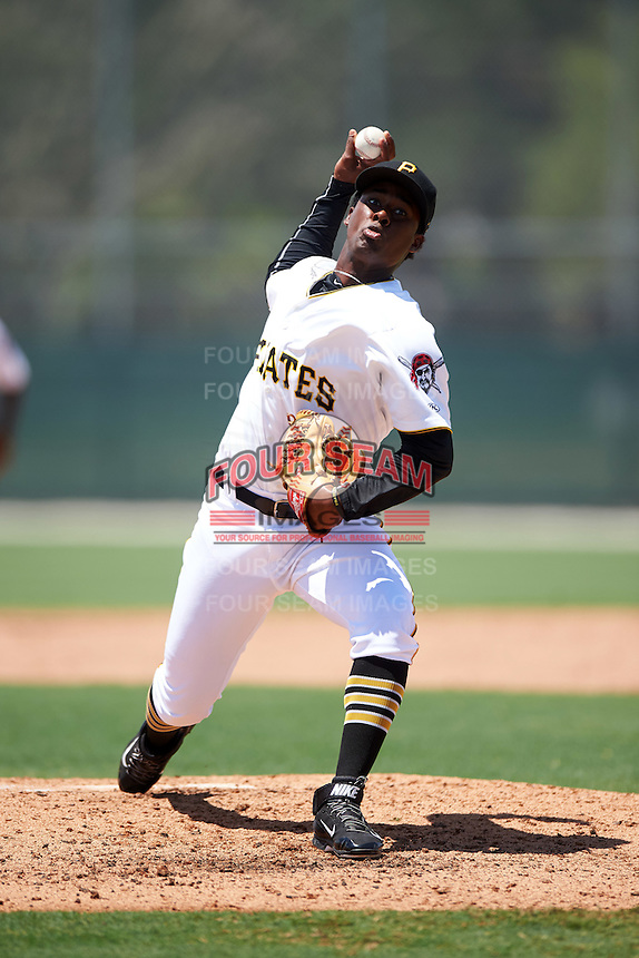 GCL Pirates relief pitcher Mister Luciano (44) during a game against the GCL Yankees East on August 15, 2016 at the Pirate City in Bradenton, Florida.  GCL Pirates defeated GCL Yankees East 5-2.  (Mike Janes/Four Seam Images)