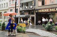 Türkei, auf der Nurosmaniye Caddesi in Istanbul in Istanbul