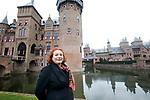 """Foto: VidiPhoto<br /> <br /> HAARZUILENS – In het grootste kasteel van ons land, De Haar in Haarzuilens, is de hand van de beroemde rijksbouwmeester Pierre Cuypers duidelijk zichtbaar. """"Dolle torens en dramatische daken."""" Zo werd zijn werk door tijdgenoten van de architect omschreven. Bij De Haar resulteerde dat in een middeleeuws sprookjeskasteel. Bezoekers van het beroemde neogotische slot kunnen er de komende maanden niet omheen. In de expositie """"Torendolheid"""" gaat alle aandacht uit naar Pierre Cuypers en zijn voorliefde voor de Middeleeuwen. Foto: VidiPhoto<br /> <br /> HAARZUILENS – In het grootste kasteel van ons land, De Haar in Haarzuilens, is de hand van de beroemde rijksbouwmeester Pierre Cuypers duidelijk zichtbaar. """"Dolle torens en dramatische daken."""" Zo werd zijn werk door tijdgenoten van de architect omschreven. Bij De Haar resulteerde dat in een middeleeuws sprookjeskasteel. Bezoekers van het beroemde neogotische slot kunnen er de komende maanden niet omheen. In de expositie """"Torendolheid"""" gaat alle aandacht uit naar Pierre Cuypers en zijn voorliefde voor de Middeleeuwen. Foto: Conservator Katrien Timmers"""