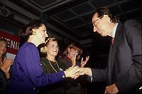 Le premier Ministre Robert Bourassa (D), son  épouse et Mila Mulroney durant de Referendum<br />  en 1992 (date inconnue)<br /> <br /> Photo:  Agence Quebec Presse