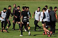 BOGOTA - COLOMBIA – 27 - 02 - 2018: Los jugadores de Corinthians (BRA), durante entreno previo al partido entre Millonarios (COL) y Corinthians (BRA), de la fase de grupos, grupo 7, fecha 1 de la Copa Conmebol Libertadores 2018, en el estadio El Campincito, de la ciudad de Bogota. / The players of Corinthians (BRA), during a traning sesión before a match between Millonarios (COL) and Corinthians (BRA), of the group stage, group 7, 1st date for the Conmebol Copa Libertadores 2018 in the El Campincito Stadium in Bogota city. VizzorImage / Luis Ramirez / Staff.