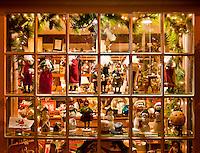 Christmas holiday shop windows, Peddlers Village, Lahaska, Pennsylvania, PA, USA