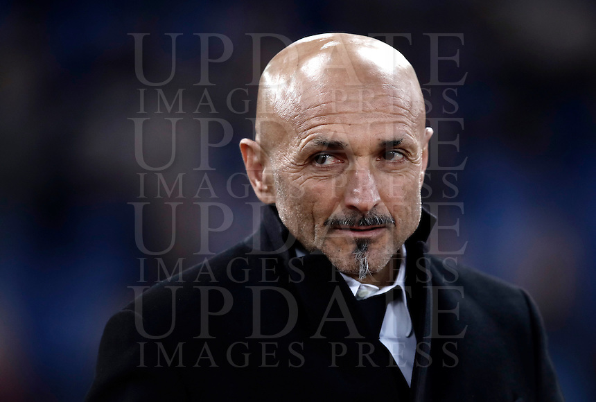 Calcio, Serie A: Roma, stadio Olimpico, 19 febbraio 2017.<br /> Roma's coach Luciano Spalletti waits for the start of the Italian Serie A football match between As Roma and Torino at Rome's Olympic stadium, on February 19, 2017.<br /> UPDATE IMAGES PRESS/Isabella Bonotto