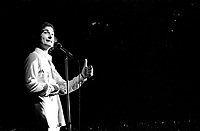 ARCHIVE - Radio Canada - Yvon Deschamps<br />  (date inconnue, entre 1967 et 1972)<br /> <br /> Photo : Agence Quebec Presse  - Alain Renaud