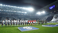 Calcio, Champions League: Gruppo D - Juventus vs Manchester City. Torino, Juventus Stadium, 25 novembre 2015. <br /> Juventus and Manchester City's players line up prior to the start of the Group D Champions League football match between Juventus and Manchester City at Turin's Juventus Stadium, 25 November 2015. <br /> UPDATE IMAGES PRESS/Isabella Bonotto