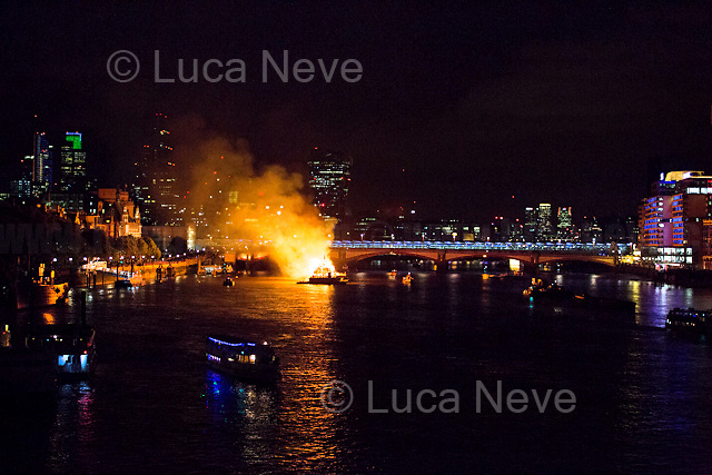 London, 04/09/2016. Today, thousands of people gathered around the Southbank's area to watch a 120-meter long model of London skyline of the 17th century set alight on the River Thames to commemorate the 350th Anniversary of the 1666 Great Fire of the British Capital. <br /> <br /> For more information please click here: http://www.visitlondon.com/greatfire350/watchitburn & https://www.facebook.com/events/897581850386609/