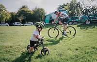 Jens Keukeleire (BEL/Lotto-Soudal) & son warming up before the race start...<br /> <br /> 59th Grand Prix de Wallonie 2018 <br /> 1 Day Race from Blegny to Citadelle de Namur (BEL / 206km)