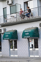 couple eating on the balcony hotel residencial douro pinhao douro portugal
