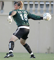 San Jose goalkeeper Pat Onstad throws the ball. The San Jose Earthquakes defeated the Colorado Rapids 1-0 at Spartan Stadium in San Jose, CA on June 29, 2005.