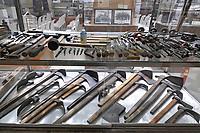 - Viareggio (Toscana), Museo della Marineria e del lavoro subacqueo; attrezzi da carpentiere<br /> <br /> - Viareggio (Tuscany), Maritime and underwater work Museum; carpenter tools